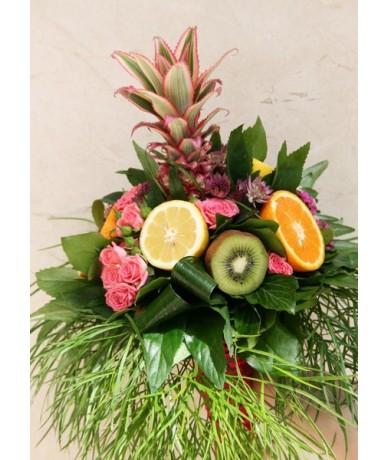 Creative graduation bouquet with citruses