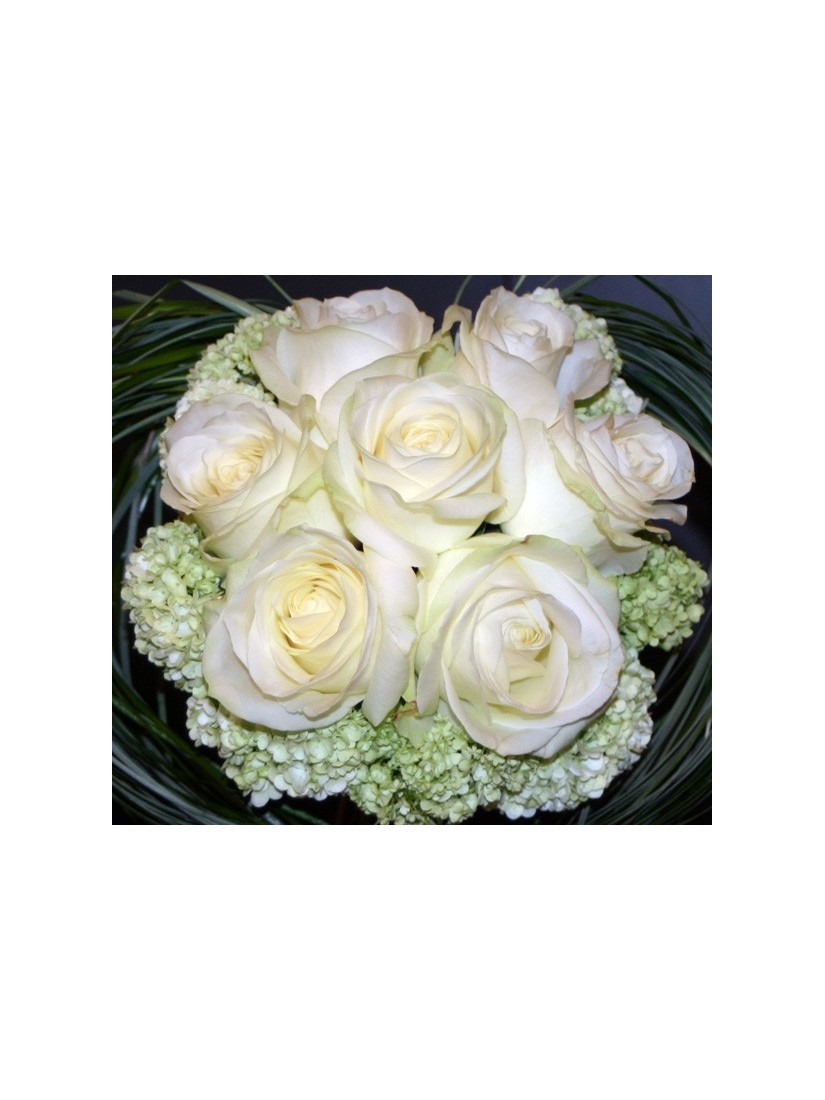 Modern rose bouquet from 7 roses