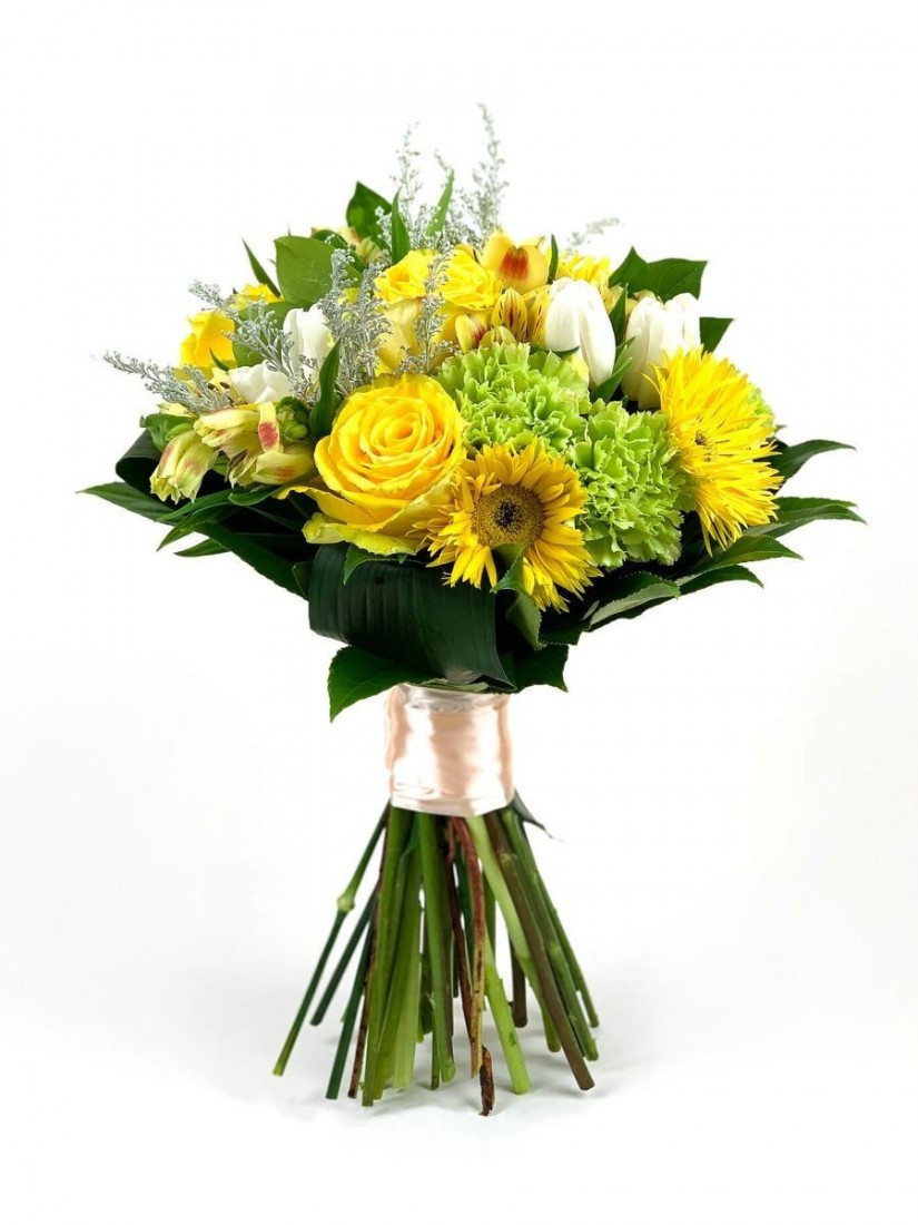 Cheerful yellow flower bouquet