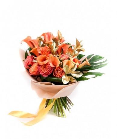 Izgalmas egzotikus virágcsokor narancs izzásban