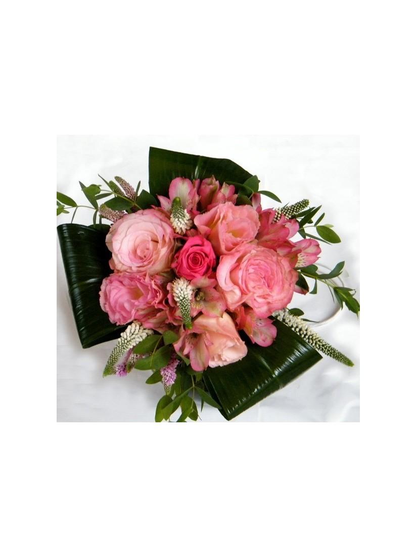 Kerek csokor rózsaszín árnyalatban