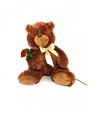Egy szál rózsa játékmackóval