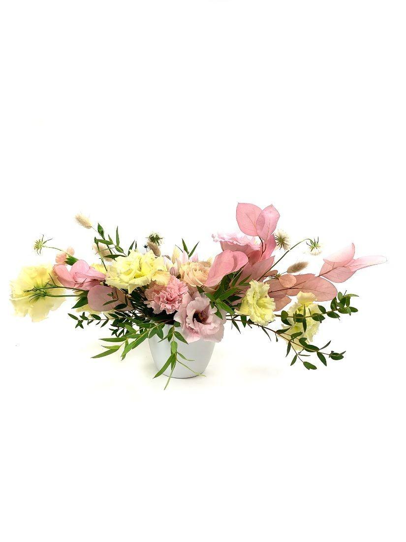 Fragrant spring table decoration