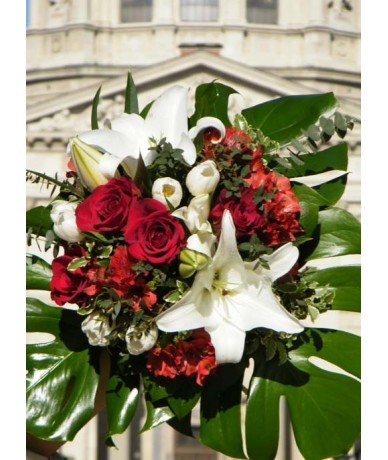 Mixed, round bouquet with many laughter