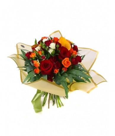 Aznapi legszebb virágainkból összeállított színes, kerek meglepi csokor