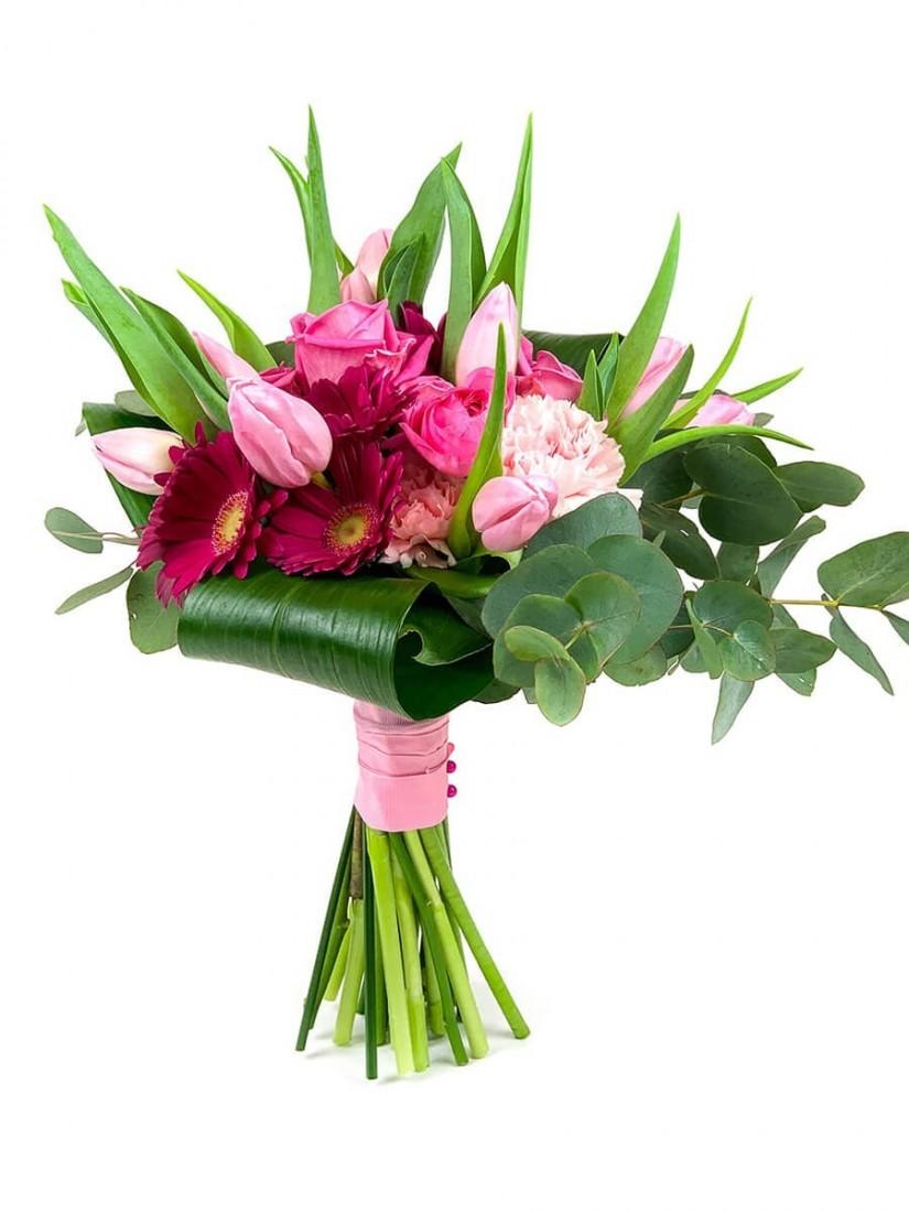 Rózsaszín virágokból álló körcsokor