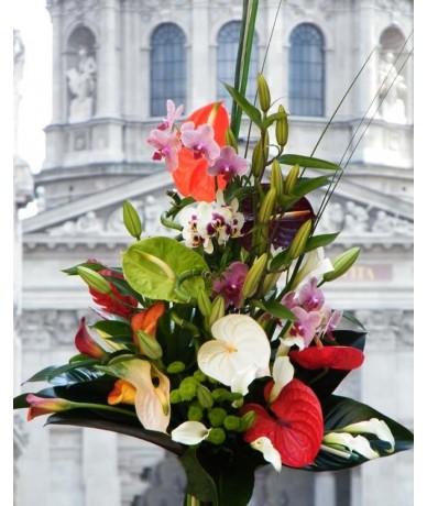 Nagy, színes csokor sokféle virágból