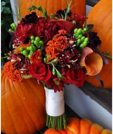 elegant autumn posy