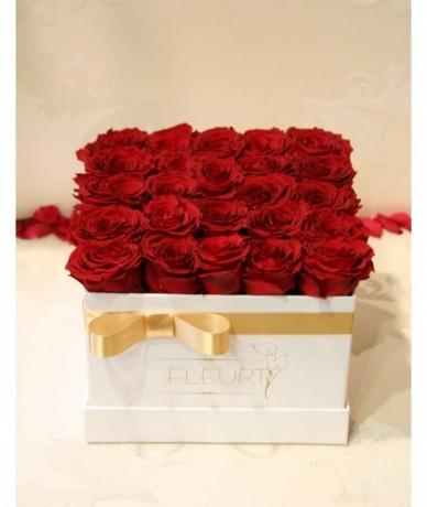 Izzó vörös vermont tartósított rózsák
