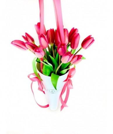 Tulipáncsokor a virágküldő szolgálat biztonságában 20szálból