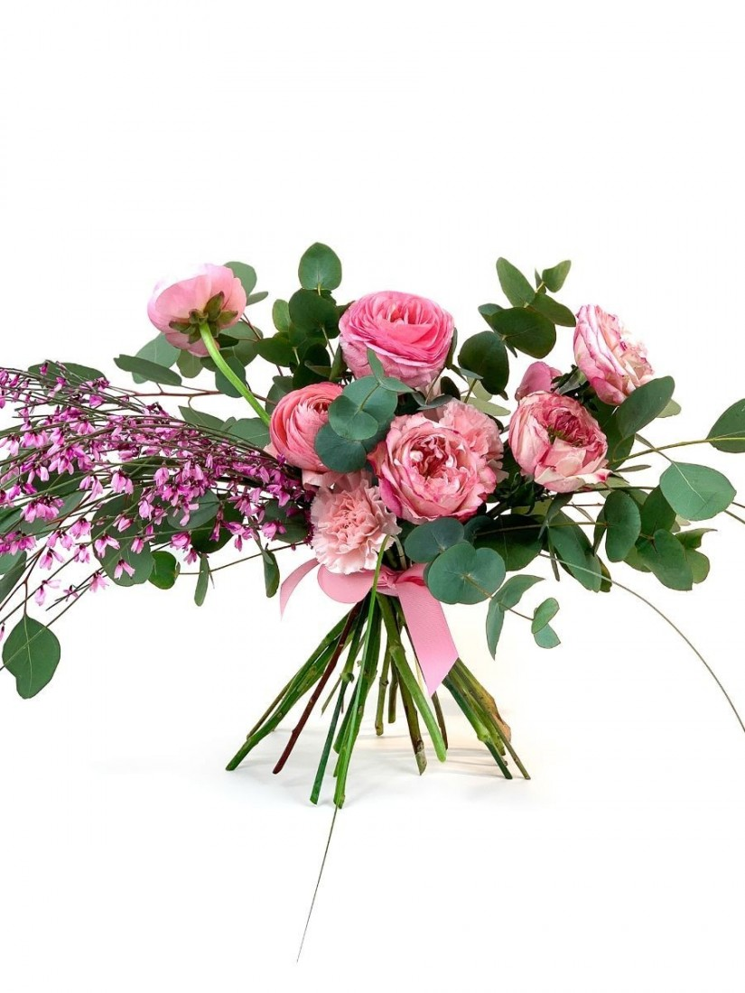 Easter flower bouquet with pastel flowers