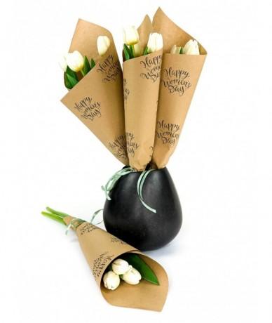 3 szál tulipán elegáns csomagolásban Nőnapra