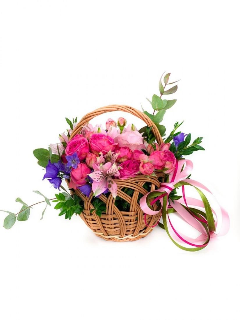 Small lovely flower basket