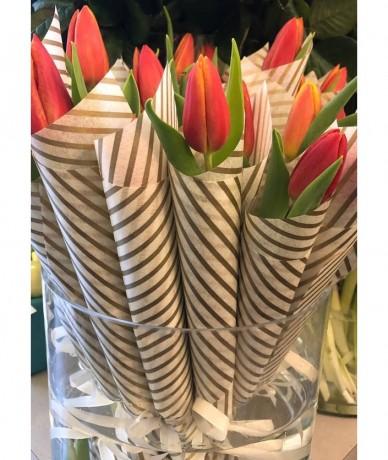 3 stem tulip bouquet