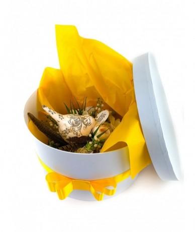 Exkluzív művirág koszorú anyák napjára madárral