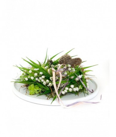 Door wreath with lily of the valley