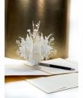 3D ajándékkártya, kinyitáskor lézervágott virágcsokor ugrik elő