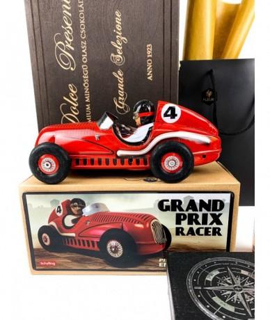 Csokoládé fadobozban, 6 puttonyos Tokaji aszú, Grand Prix versenyautó, kerámiapersely, iránytű levélnehezékkel