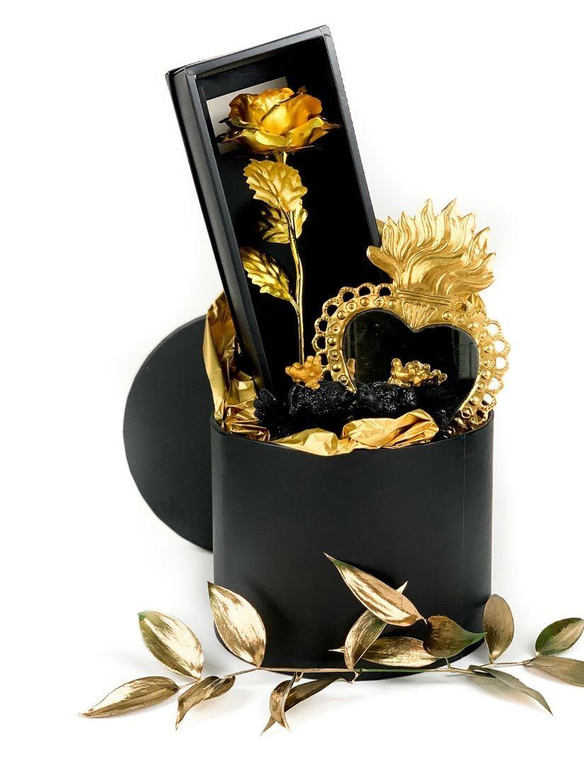 Hálámnak jeléül, másképp Ex Voto fekete arany ajándékcsomag 24 karátos arany rózsaszállal