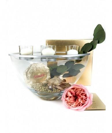 Különleges üvegváza mécsesekkel, ékszerteknős s egy doboz Stühmer marcipános csokoládé