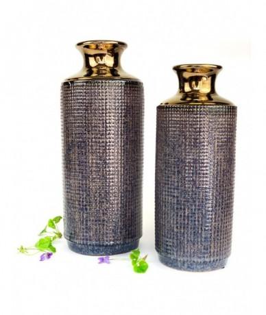 Metál arany és csodás lila kerámiából vannak ezeknek a luxus enteriőrökbe illő vázák