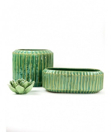 Turquoise ceramic pots - plant present ideas