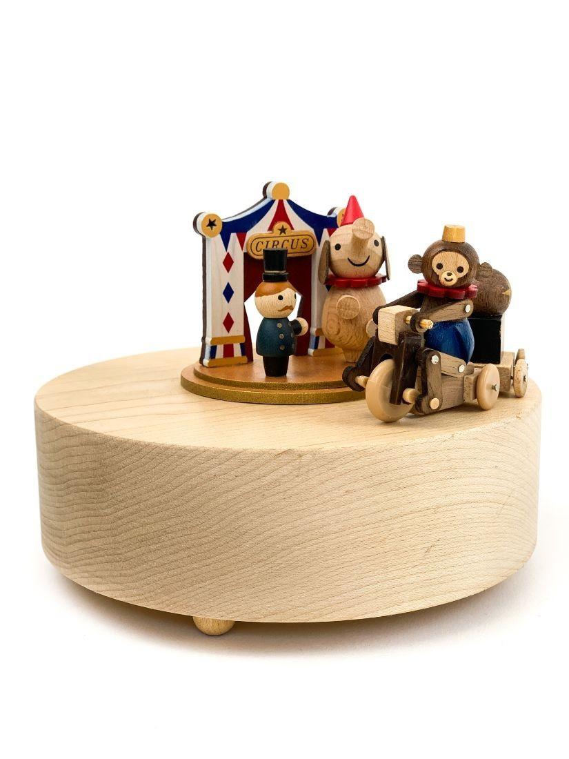 Szép ajándék ez a vándorcirkusz -míves fa játék forog, zenél, retró hangulatú