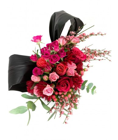pink and red vibrant posy