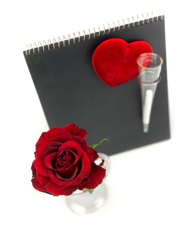 Serax design note board with rose