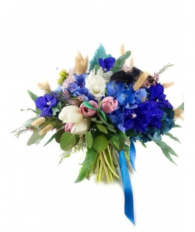 Light pastel flowers with blue hydrangea and vanda