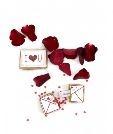 Szerelmes mézeskalács borítékban szerelmes üzenet van elrejtve