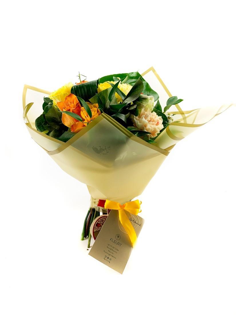 Cheerful round bouquet