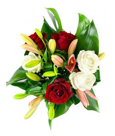 Vidám hangulatú, elegáns körcsokor liliommal és rózsával - M méret