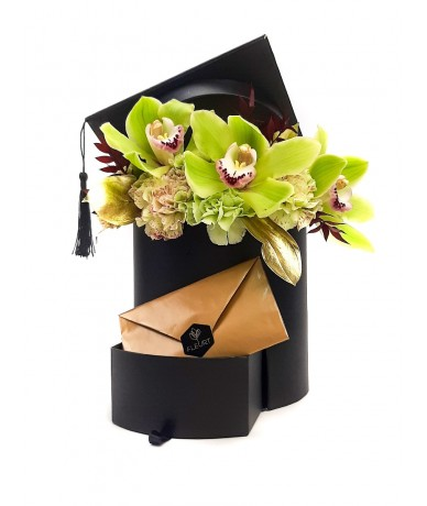 Black hat graduation box with flowers and gift drawer