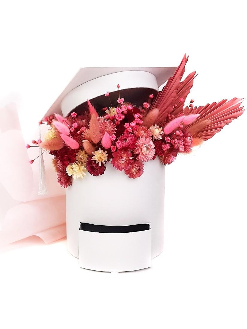 Fehér ballagó diák doboz szárított virággal